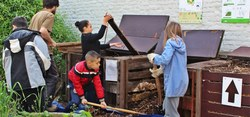 Compost collectif, jardin partagé, adopte un espace vert